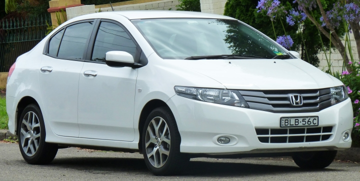 2009_honda_city_gm2_my09_vti-l_sedan_2011-01-13